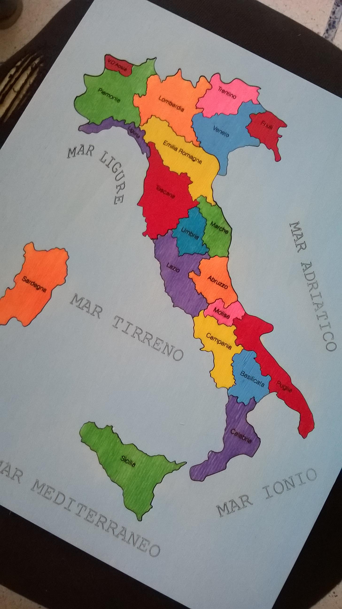 Cartina Geografica Regioni Italia.Puzzle Cartina Italia Gia Colorata