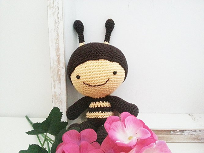 Ape Amigurumi (tutorial)/how to make a bee amigurumi - YouTube ... | 500x667