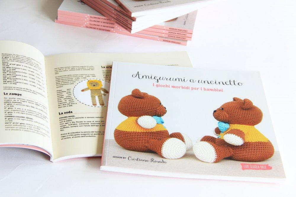 Amigurumi a uncinetto per bambini - manuale con spiegazioni base e 12 progetti unici per giochi morbidi.