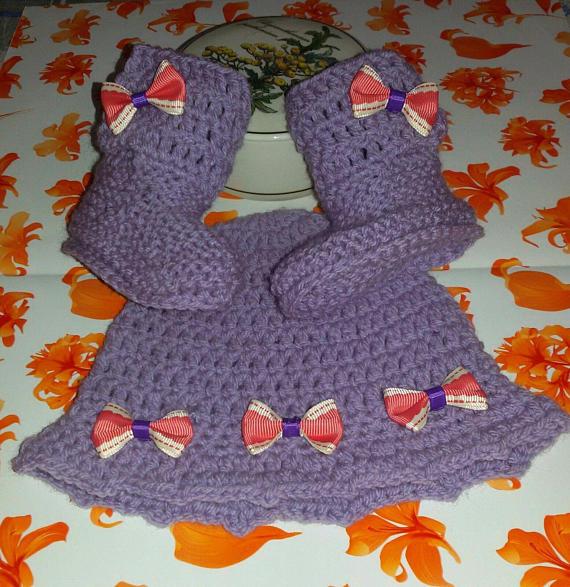 Cappellino e scarpette bebè stivaletti UGG  viola