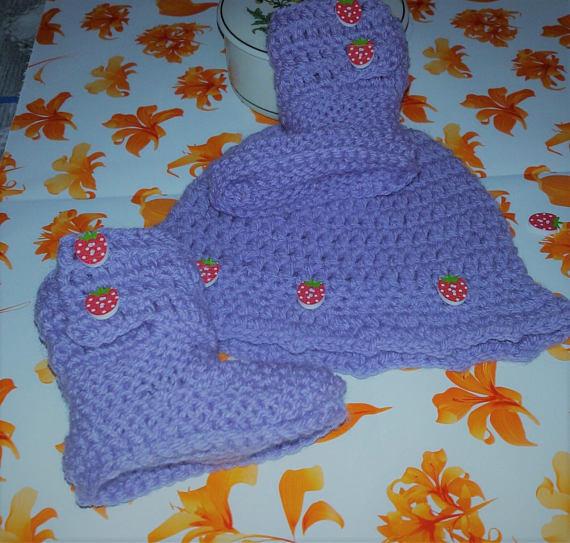Cappellino e scarpette bebè stivaletti UGG  azzurro