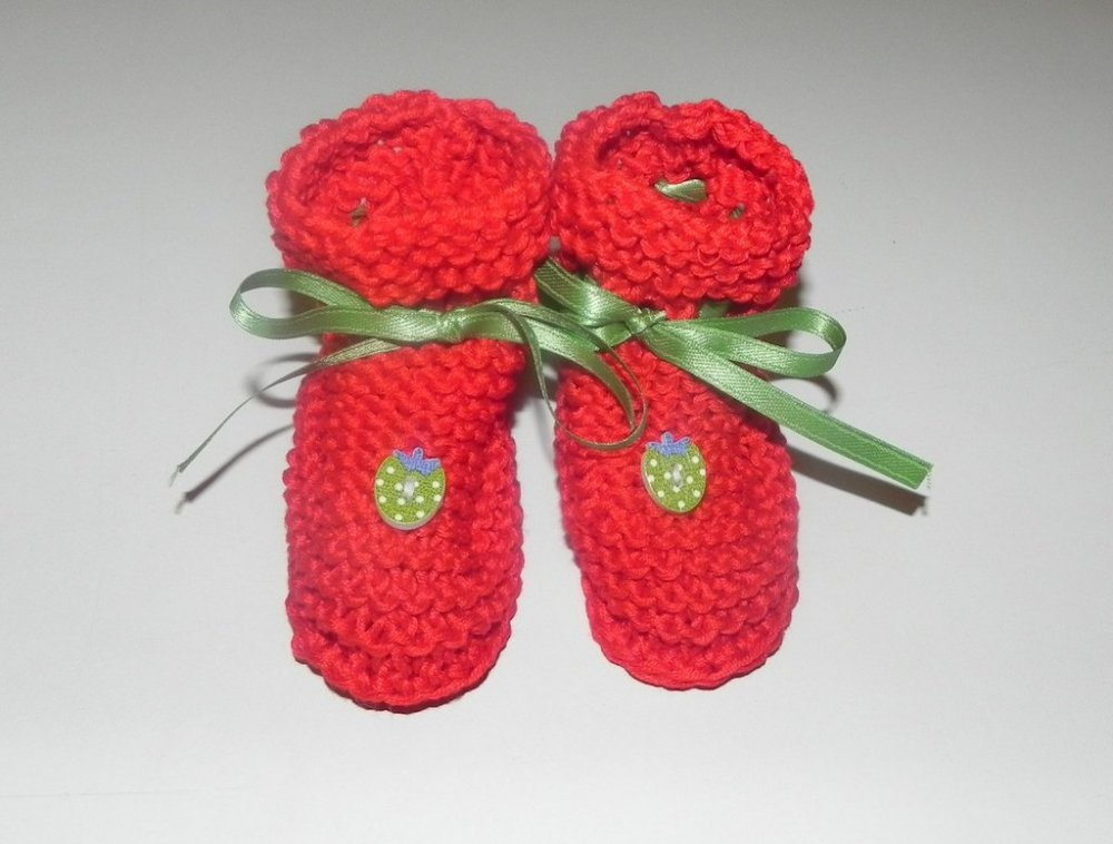 Scarpette portafortuna  in pura lana  realizzate ai ferri