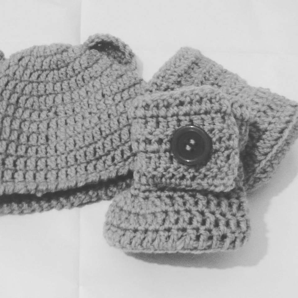 Cappellino e scarpette bebè stivaletti UGG  grigio