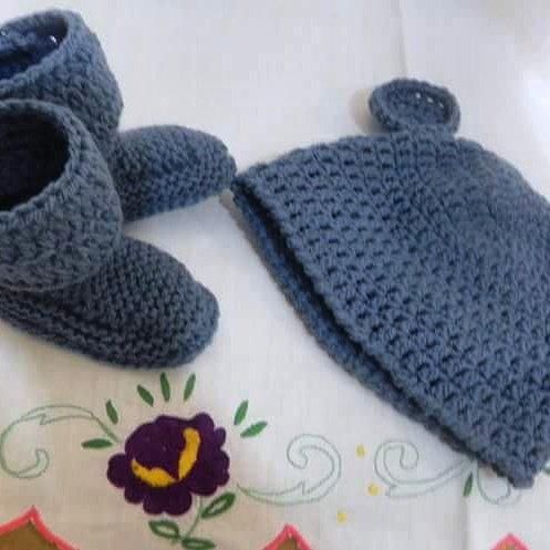 Cappellino e scarpette bebè stivaletti UGG  NEONATO blu
