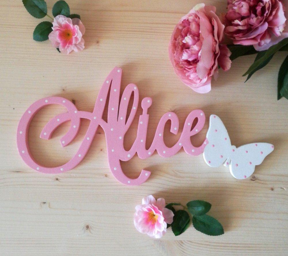 Scritta in legno personalizzata con farfalla