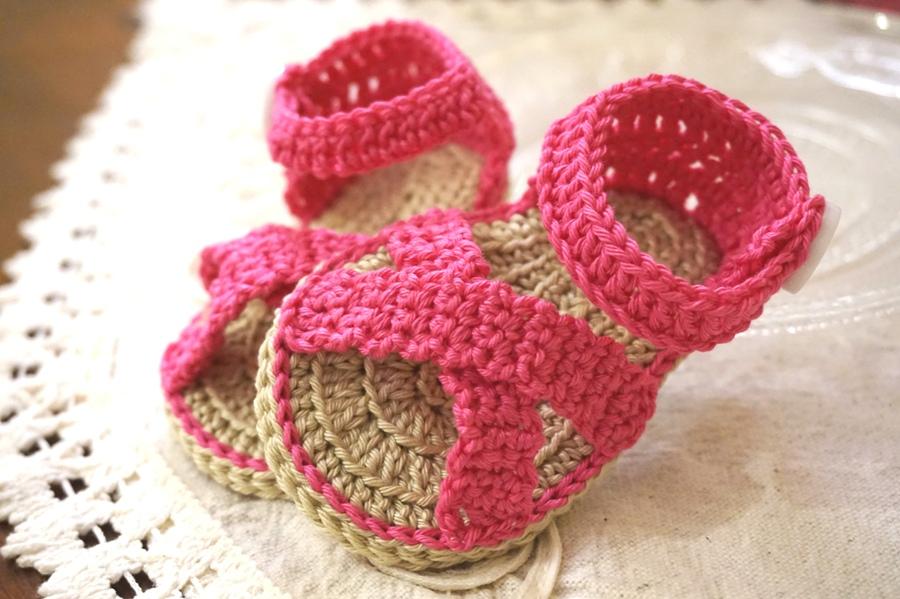 Sandaletti neonato con incrocio. taglia 0-3 mesi