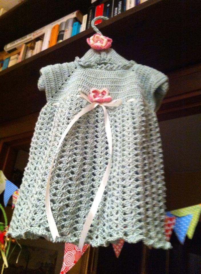 vestitino neonata uncinetto