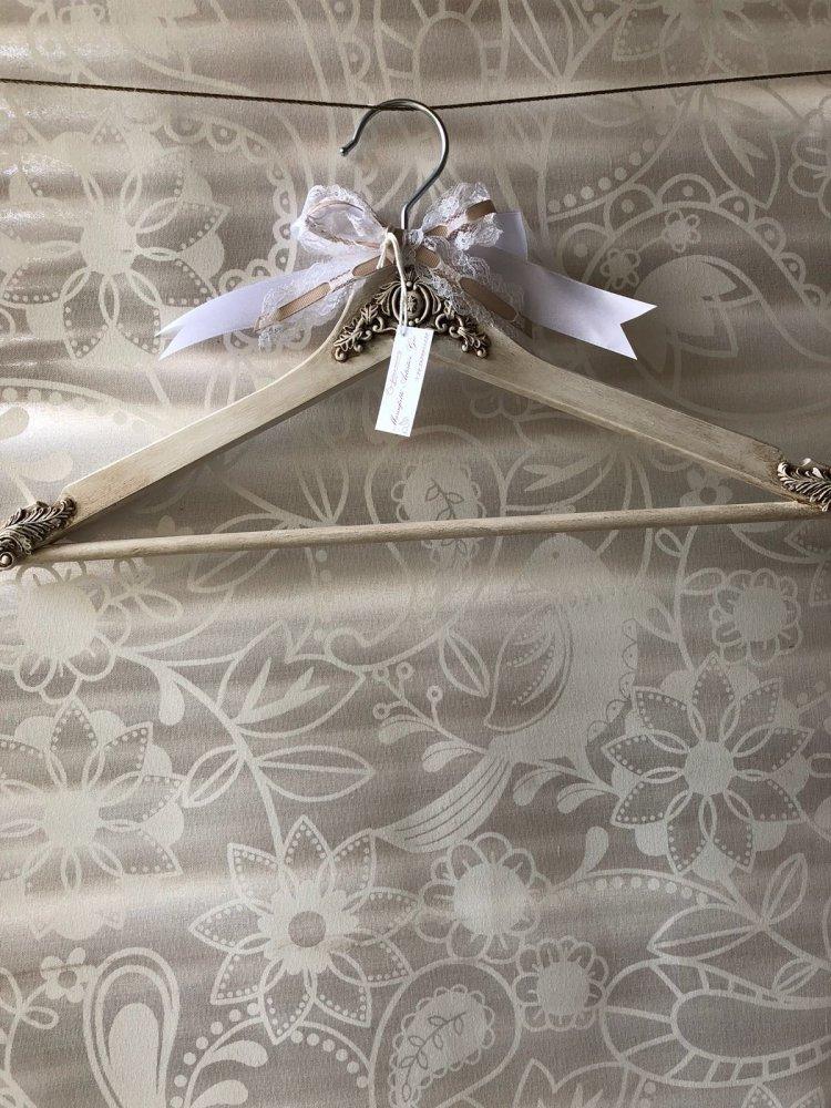 Stampella per abito da cerimonia