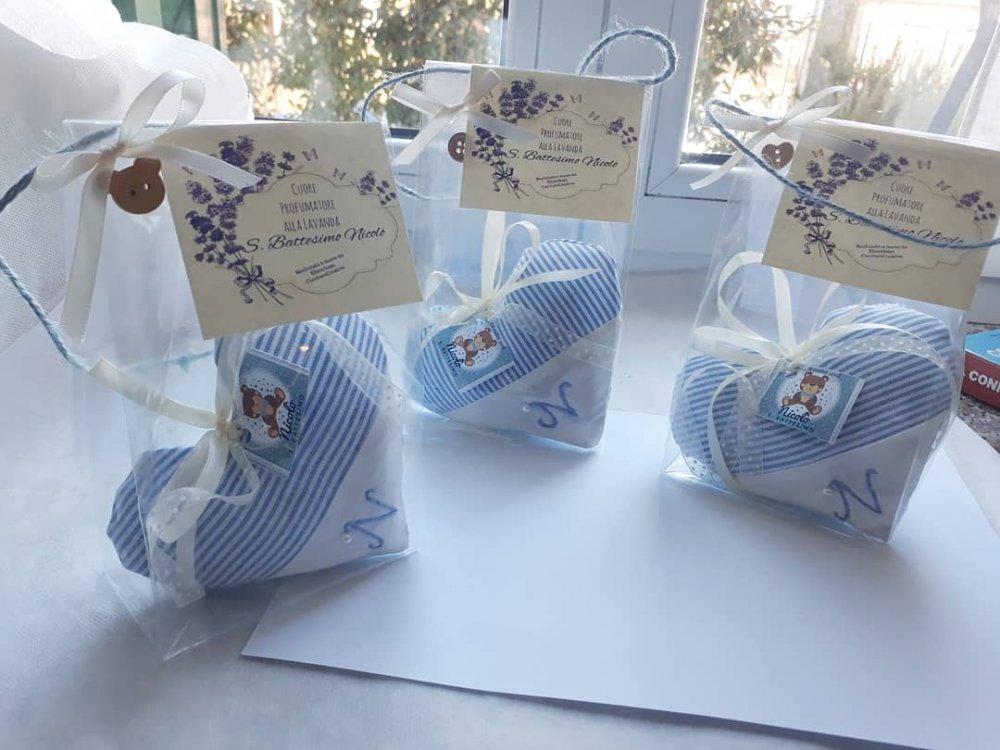 Cuore di stoffa bomboniera  alla lavanda per battesimo e nascita bambino da appendere