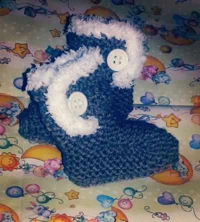 Scarpette   stivaletti   baby lana ferri e uncinetto