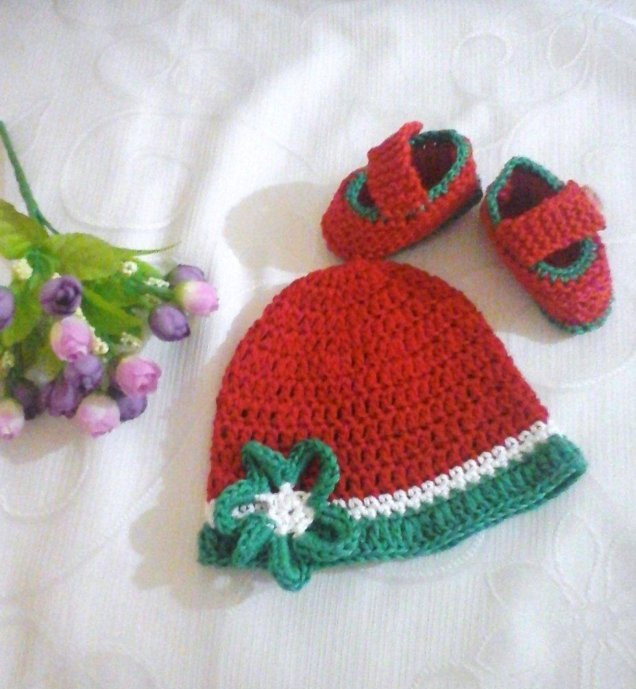 Scarpette e cappellino tricolore  in cotone