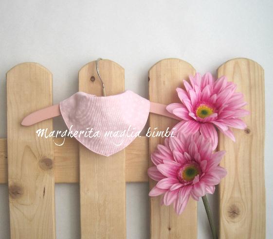 Bavaglino/bandana per bambina/neonata -  puro cotone - rosa/cuori  bianchi - fatto a mano