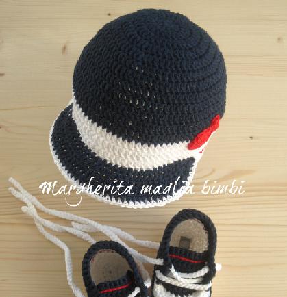 Cappellino neonato/cappello bambino con visiera fatto a mano - uncinetto - cotone blu/bianco/rosso