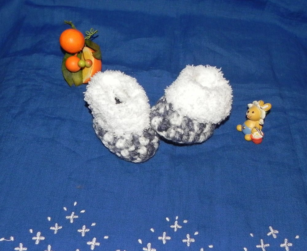 Scarponcini bebe solettina 10 cm con pelliccetta bianca  UNISEX