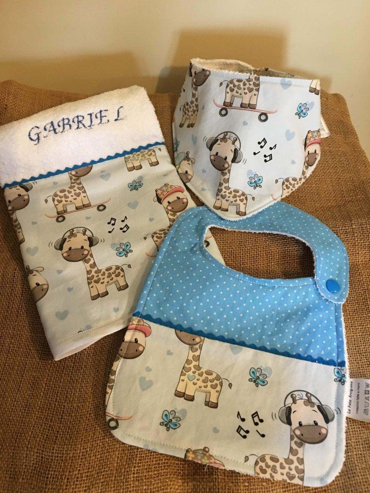 Set nascita con bavaglino, bandana e asciugamano, personalizzabile con nome