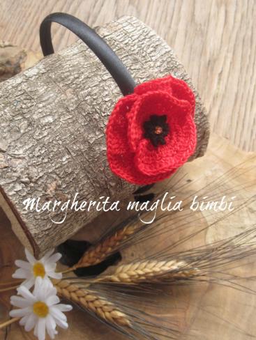 Cerchietto/cerchiello nero per capelli bambina con papavero rosso all'uncinetto