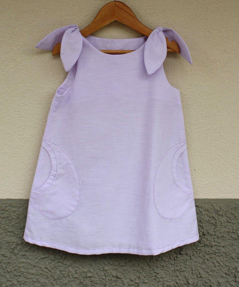 vestito di cotone lilla da bambina, abito con le spalline regolabili