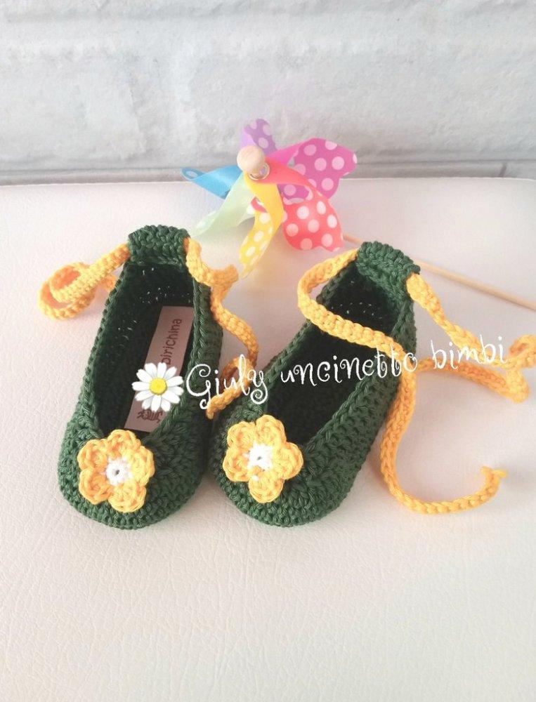 Scarpine a ballerina per neonata, verde bosco e margherita gialla , porafortuna nascita