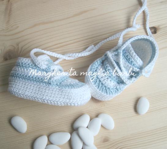 Scarpine neonato/sneakers bambino - Battesimo - righe bianche e azzurre - uncinetto  - cotone