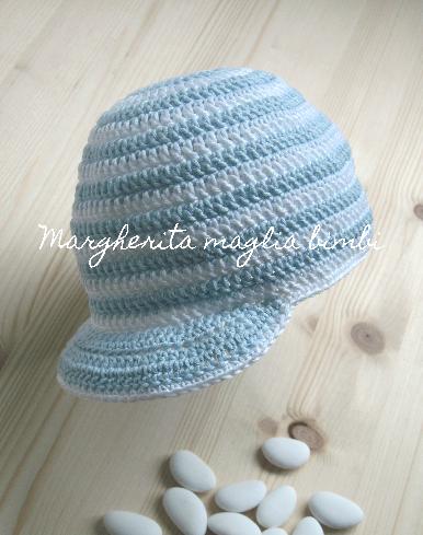Cappellino/cappello bambino con visiera fatto a mano - cotone righe azzurre e bianche - Battesimo