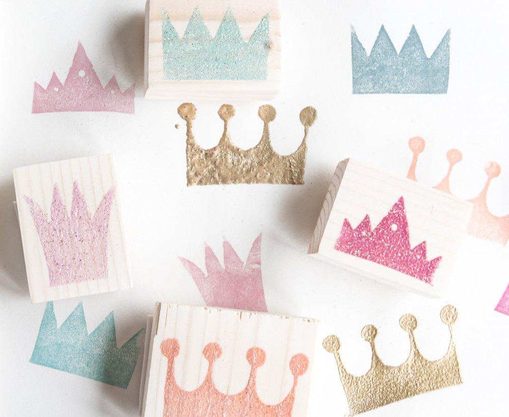 Timbri Personalizzati Per Stoffa set timbri in gomma e legno a forma di corone per creare biglietti, inviti..