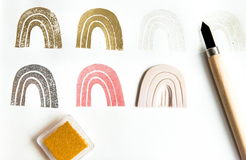 timbro in gomma a forma di arcobaleno