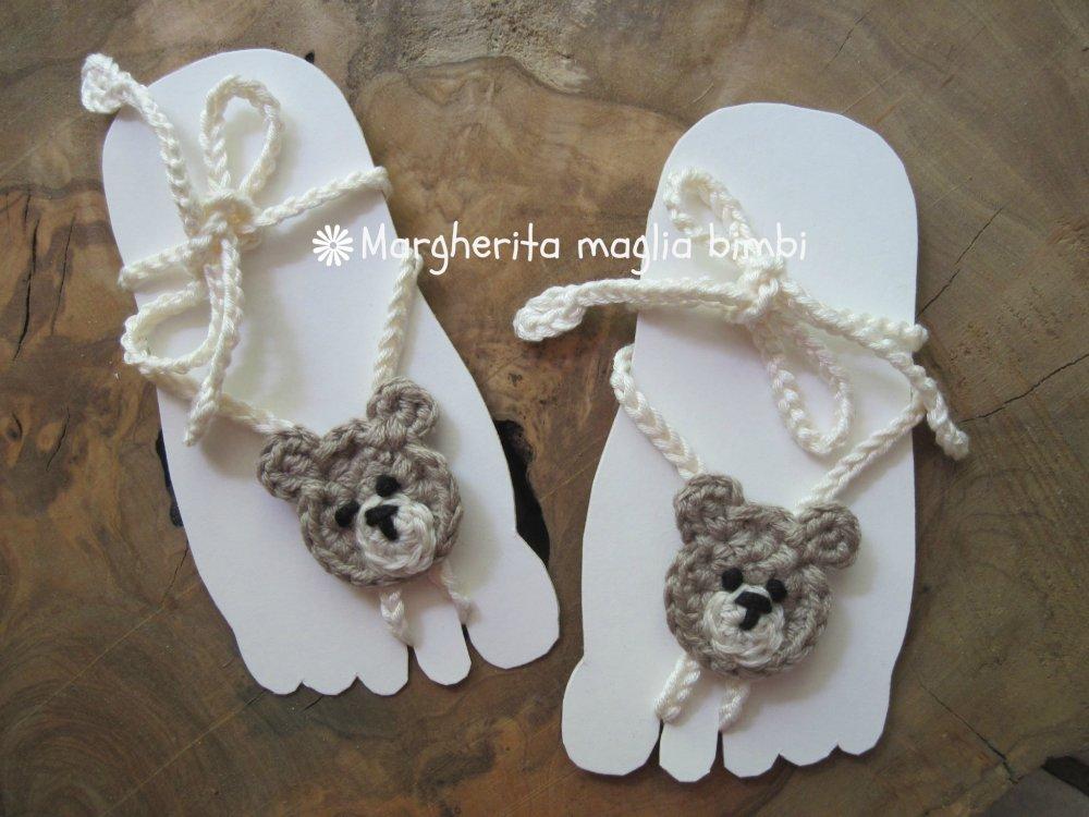 Sandali piedi nudi neonato/bambino - orsetto uncinetto - decorazione piede - kawaii