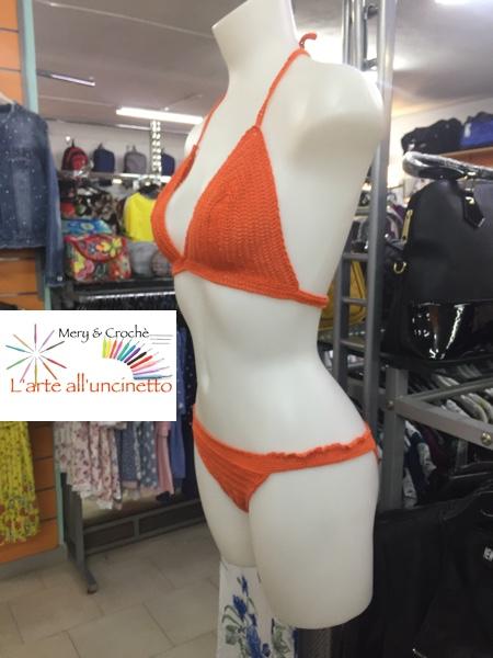 bikini donna, ragazza,  2 pezzi , taglia M, fatto a mano all'uncinetto, cotone 100%,