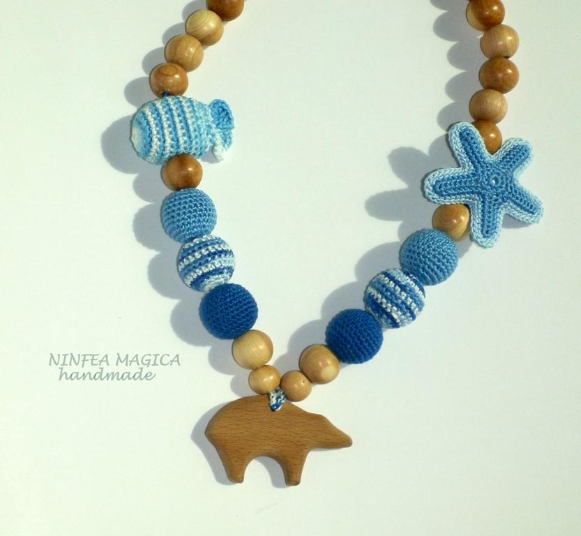 La collana da allattamento con ciondolo di legno Orso Polare
