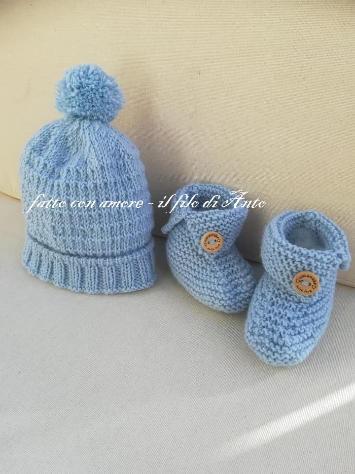 Scarpine e cappello neonato in pura lana merinos
