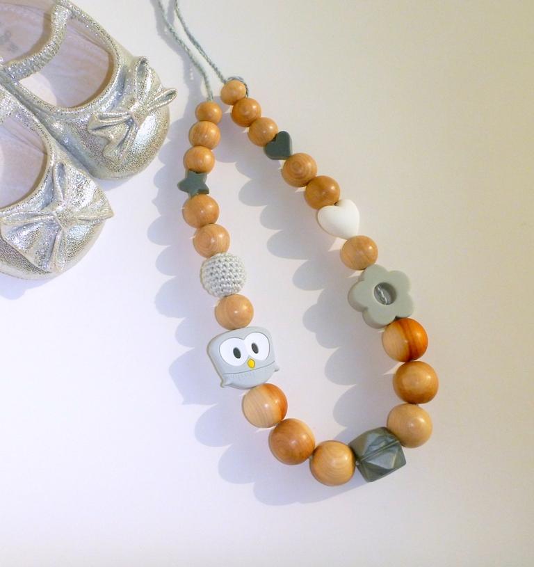 Collana da allattamento con diverse perline tattile colore neutro