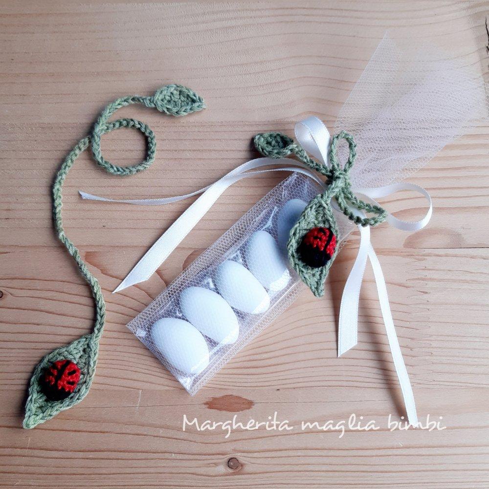 Segnalibro bomboniera uncinetto con coccinella - nascita - Battesimo - Comunione - matrimonio