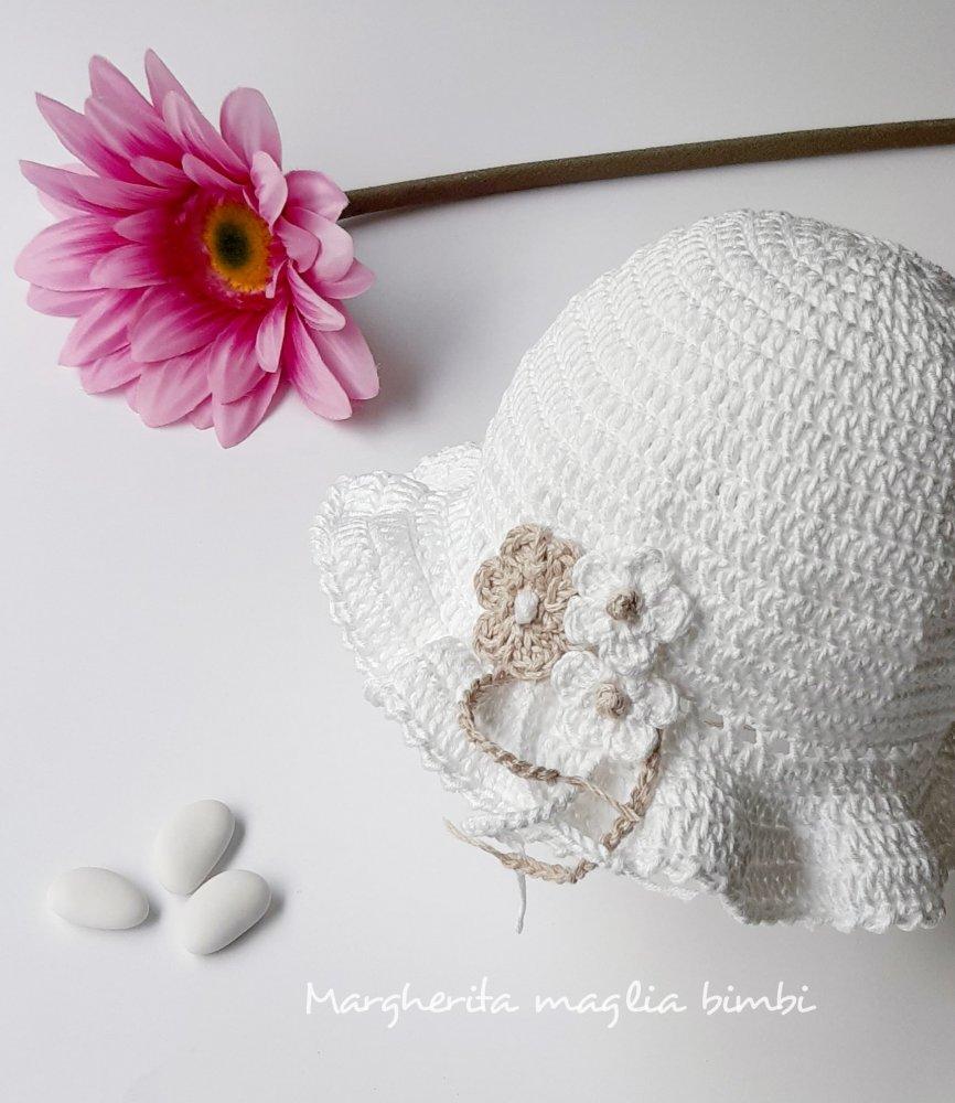 Cappello con balza bambina/neonata cotone bianco -  fiori bianco e ecru - Battesimo