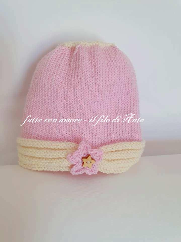Cappello con stella per bambina in lana merinos 100%
