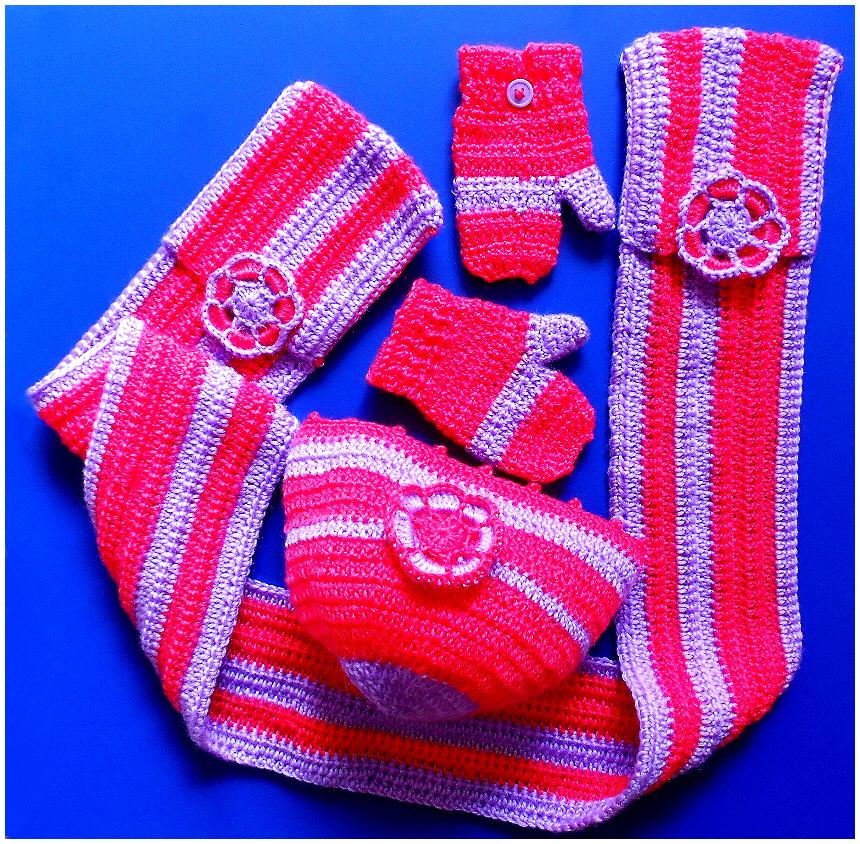Cappellino, guanti e sciarpa bambina
