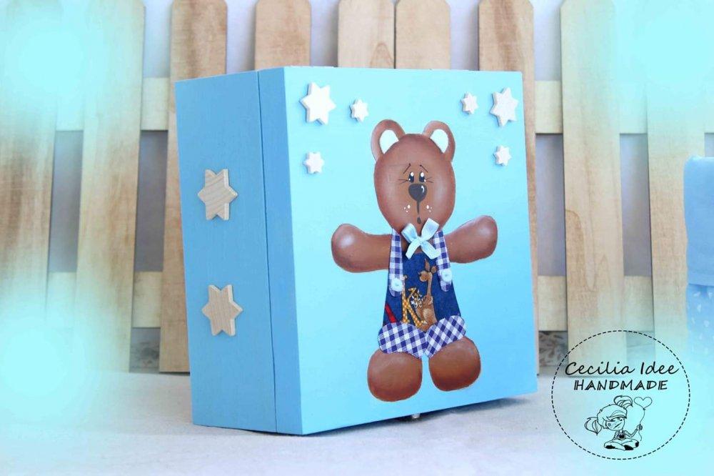 scatola con orsetto