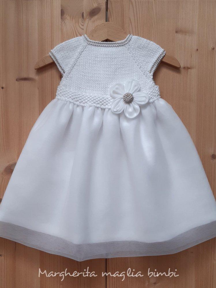 Abito bambina con fiore lino e tulle bianco/ecru - fatto a mano - Battesimo