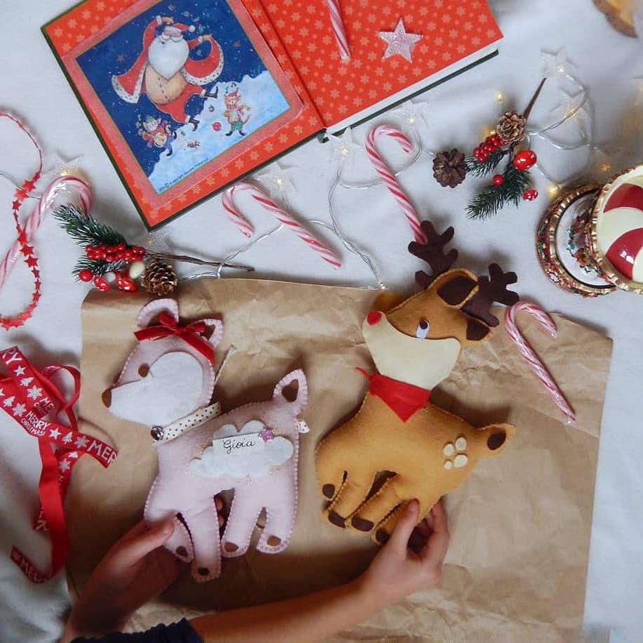 Cerbiatto rosa  o renna pupazzo cuscino di panno cm30
