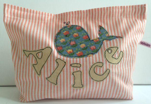 Astuccio porta cambio per la scuola o per le mamme da tenere sempre in borsa: porta pannolini o porta giochi, nome e motivo personalizzabili