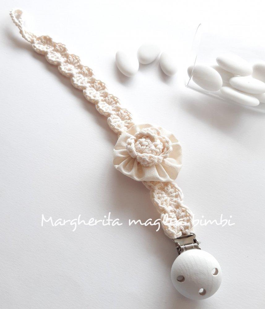 Portaciuccio bianco panna per neonata - rosellina crochet e cotone americano  - fatto a mano - Battesimo