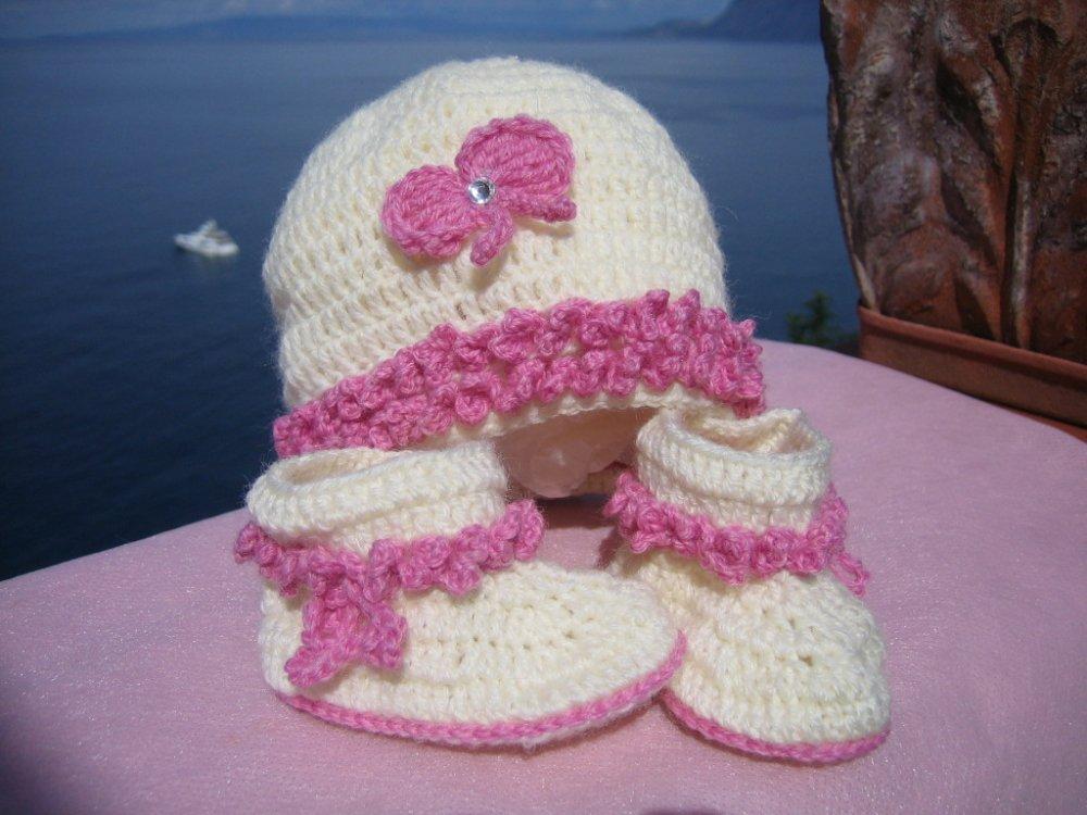 cappellino e scarpette per bimba