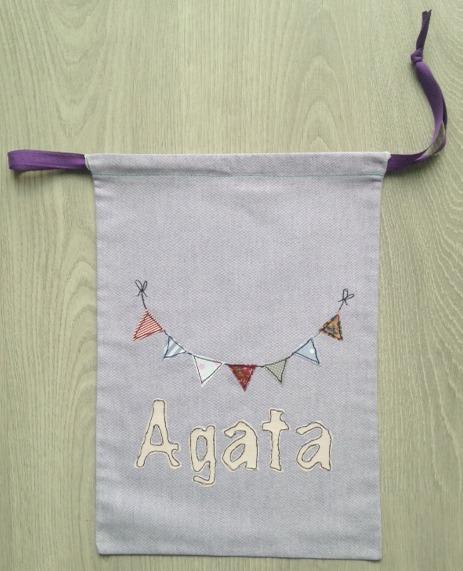 Handmade sacchetto bimba con il nome personalizzabile, multiuso, porta giochi e porta cambio, ideale per l'asilo il nido e la scuola elementare