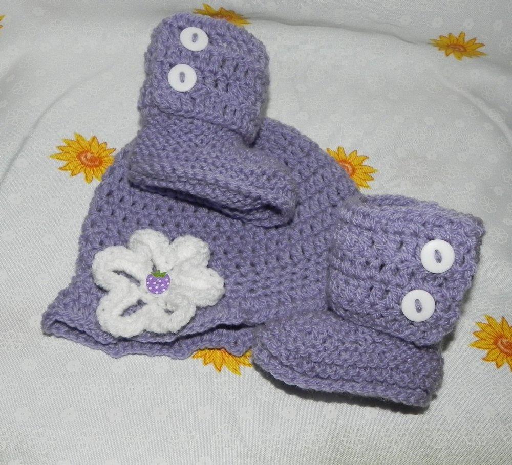 Cappellino e scarpette bebè lilla  da 1 a 4 mesi