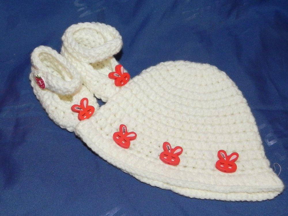 Cappellino e scarpette bebè da 1 a 4 mesi