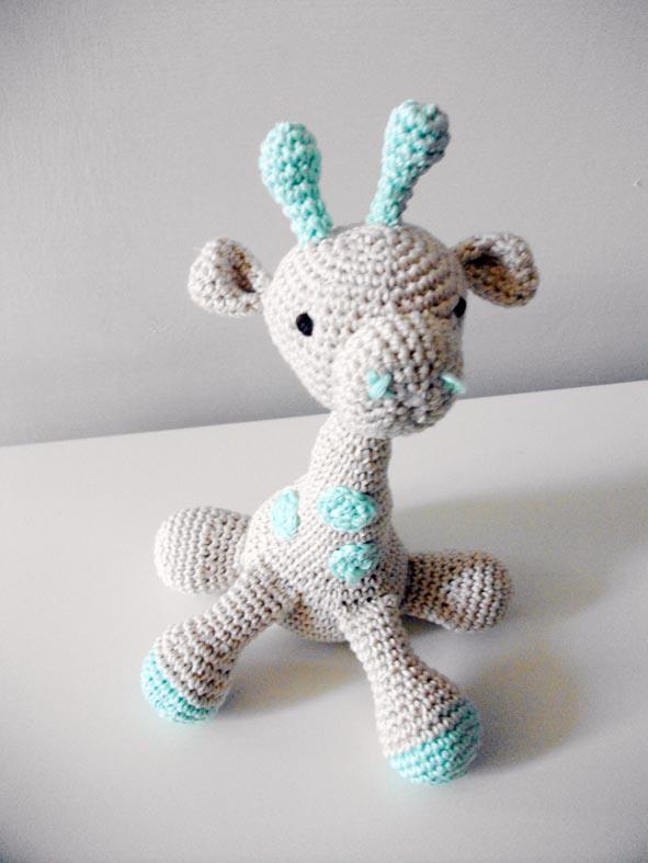 Molly la giraffa amigurumi. Idea regalo.