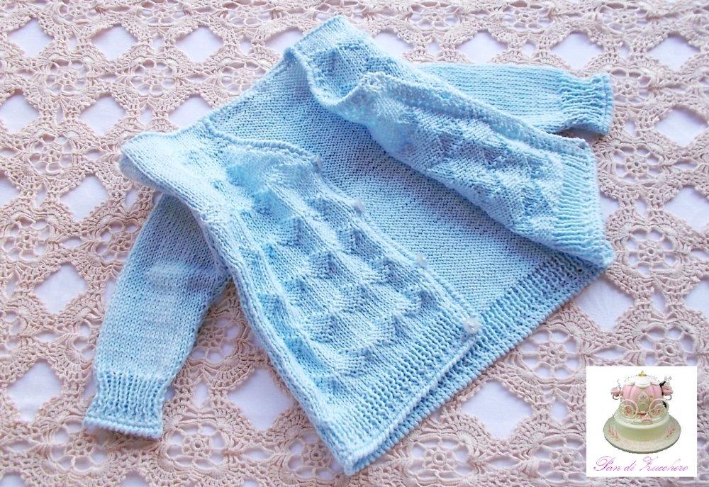 Baby cardigan neonato in puro cotone azzurro baby lavorato ai ferri con rifiniture ad uncinetto