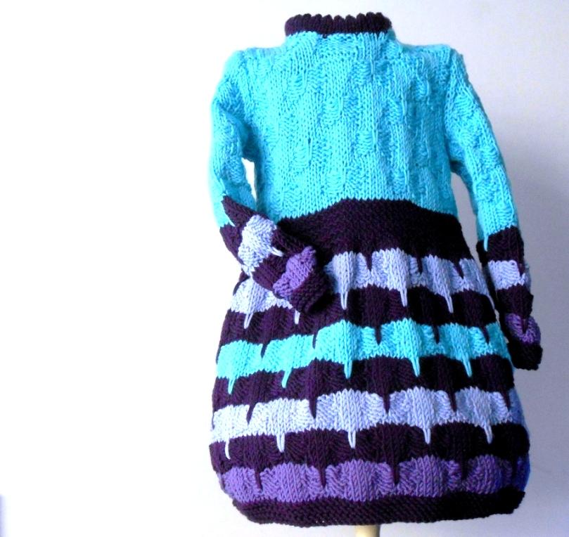Abitino a maglia,  per bimba, vestitino fatto a mano in pura lana merino
