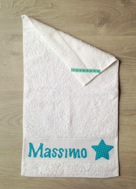 Asciugamano per il bagnetto del bambino, nome personalizzabile, pratico e comodo per il nido e la scuola materna