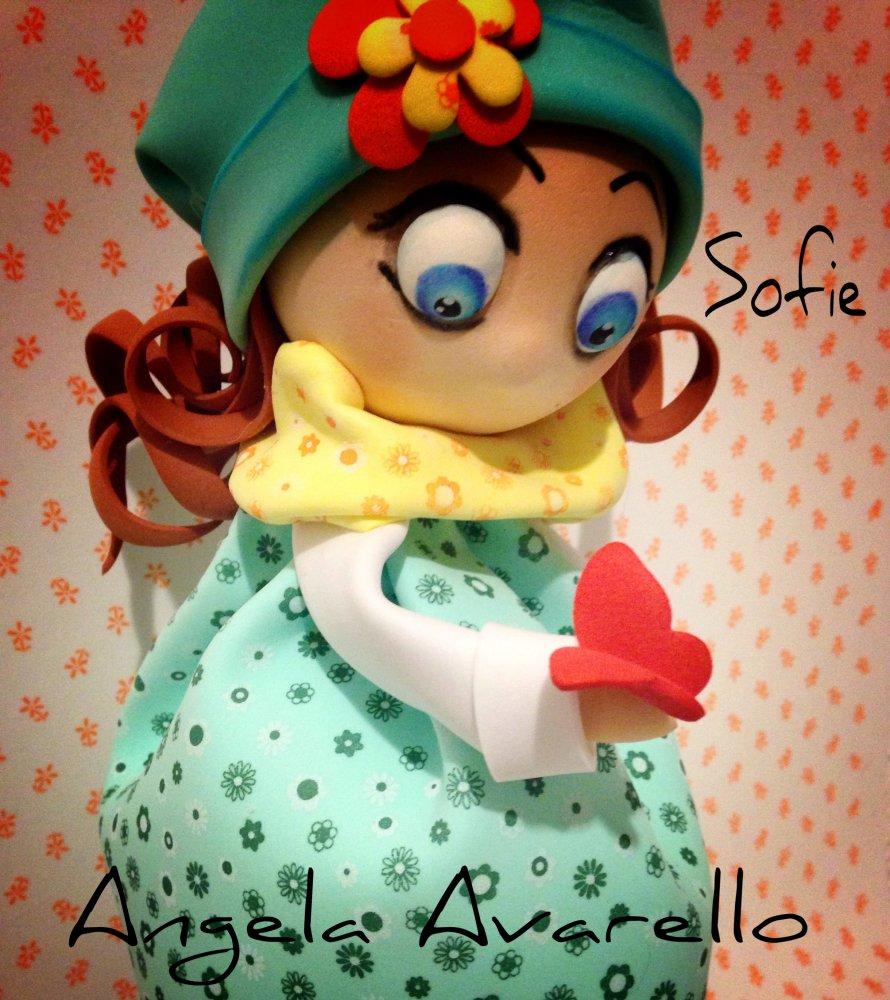 Sofie, bambolina in gomma crepla