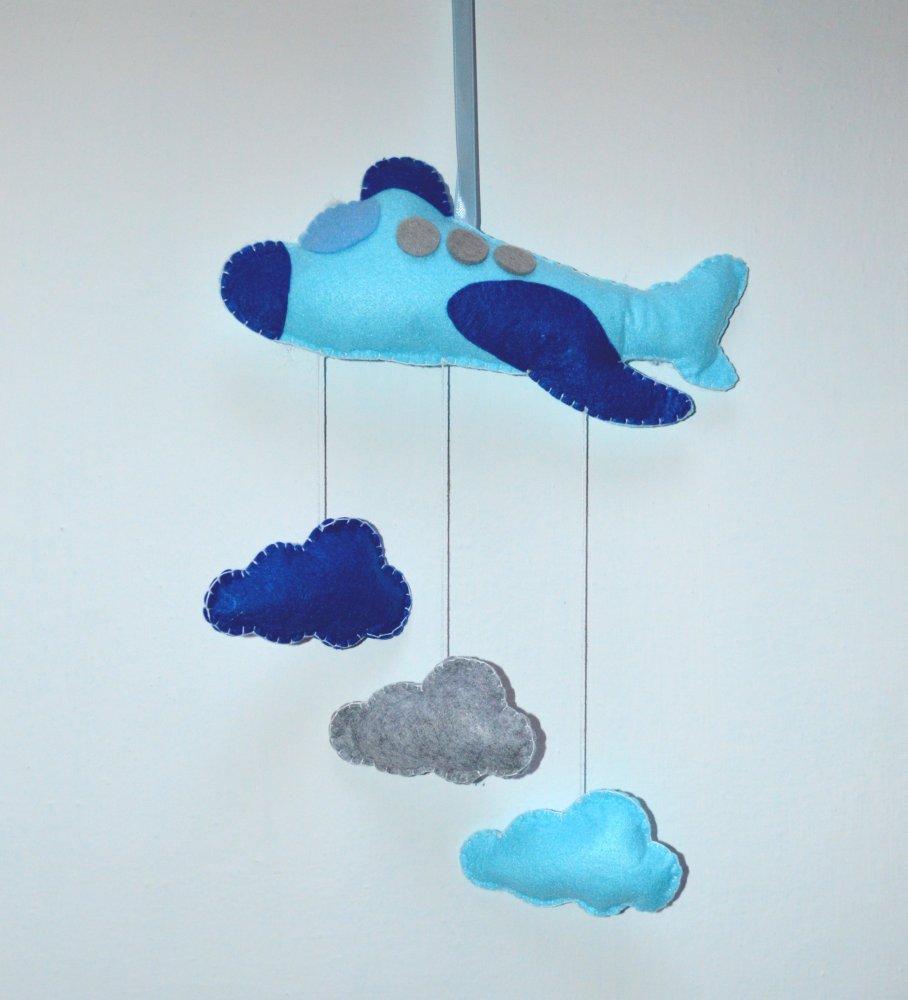 Fiocchi nascita - decoro murale aeroplano con nuvole